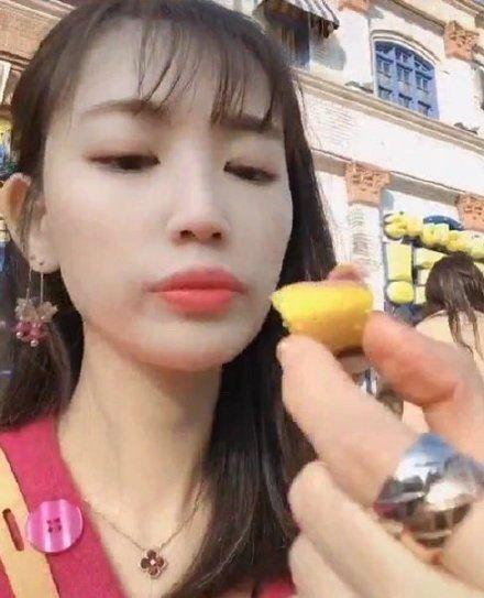 马蓉录开箱视频推销产品,却暴露了手上戒指,网友吐槽只看到钻戒
