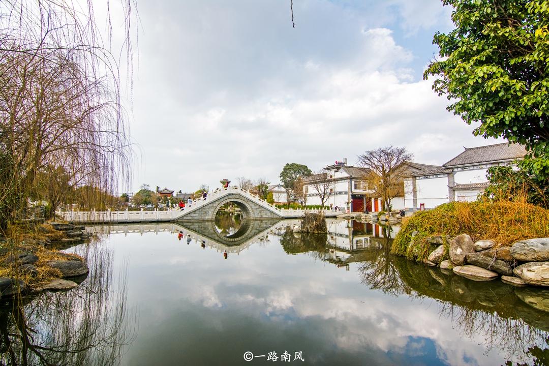 云南这座四线城市曾是小国首都,历代皇帝热衷当和尚,景色如画!