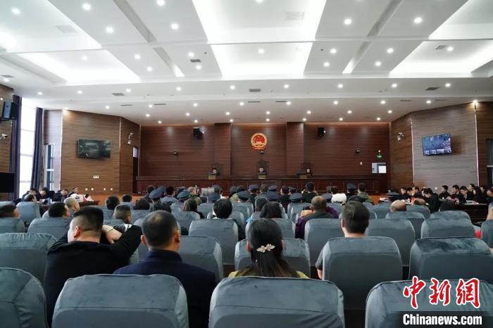 内蒙古两男子网上开赌场10个月收取赌资3000万