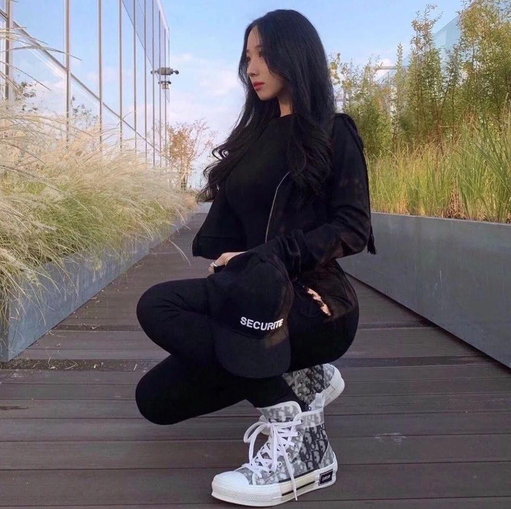 球鞋图集丨DiorxAJ1炒到1亿?这双DiorB23颜值也很高!_via