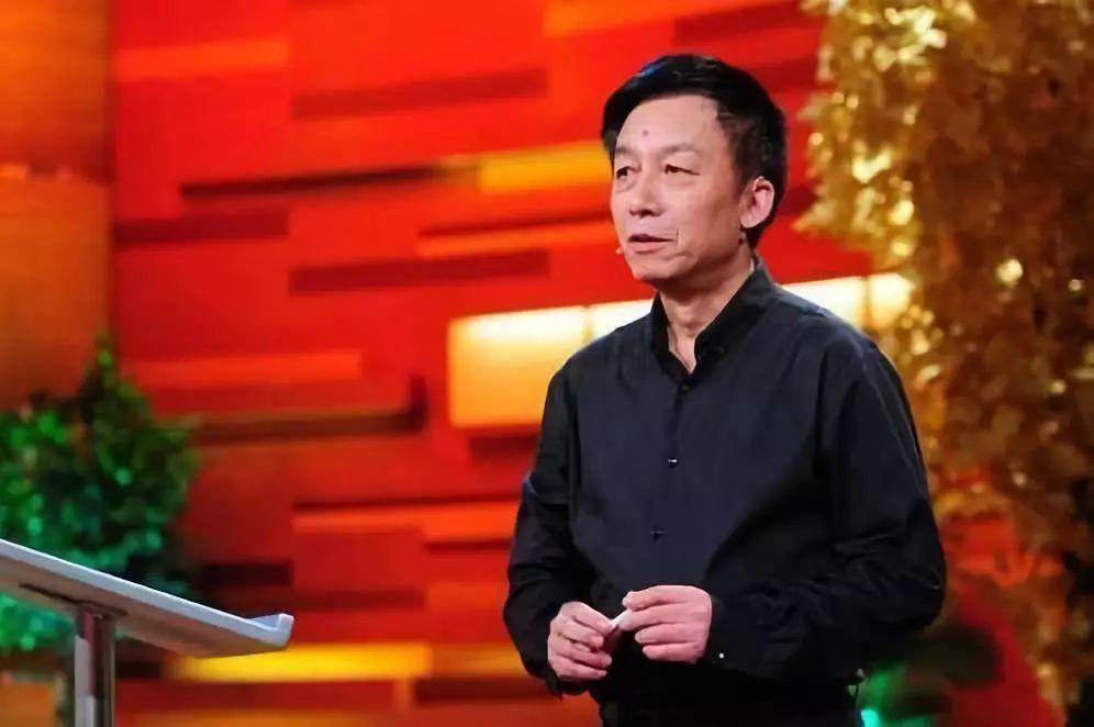 <b>易中天:请问,关于中国教育,我可以讲几句真话吗?!</b>