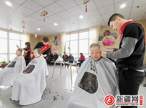 【温暖一座城 文明在行动】社区助老服务联盟为老人献爱心