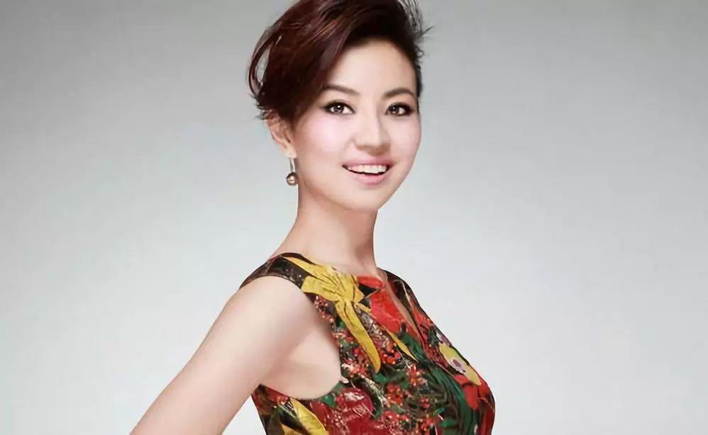 《中国电影报道》的三位美女主播李蜜、经纬、瑶淼.图片