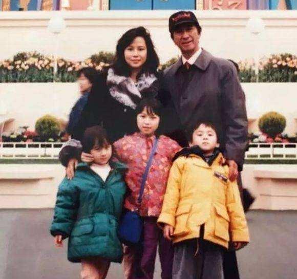 赌王何鸿燊一生有17个子女,98岁才有了第一个孙子
