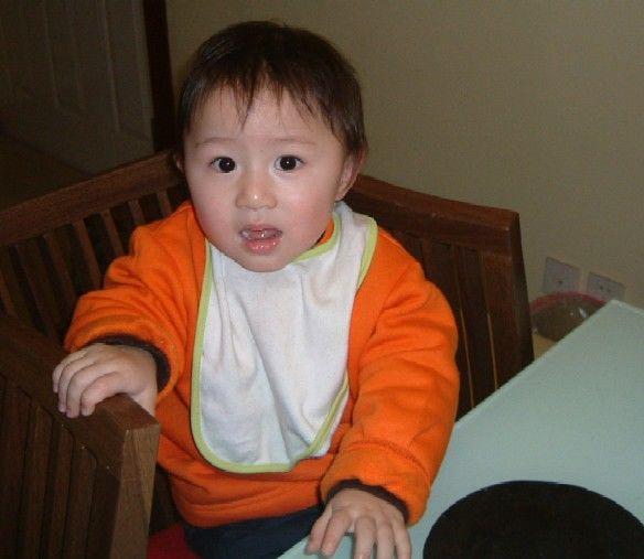 告诫:喂娃吃饭时,若出现3个反应,就要停手,容易伤脾还不发育