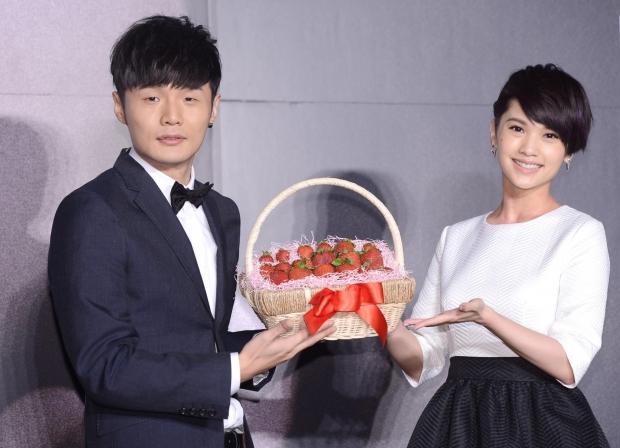 杨丞琳发长文感谢新歌创作伙伴 透露李荣浩参与作词