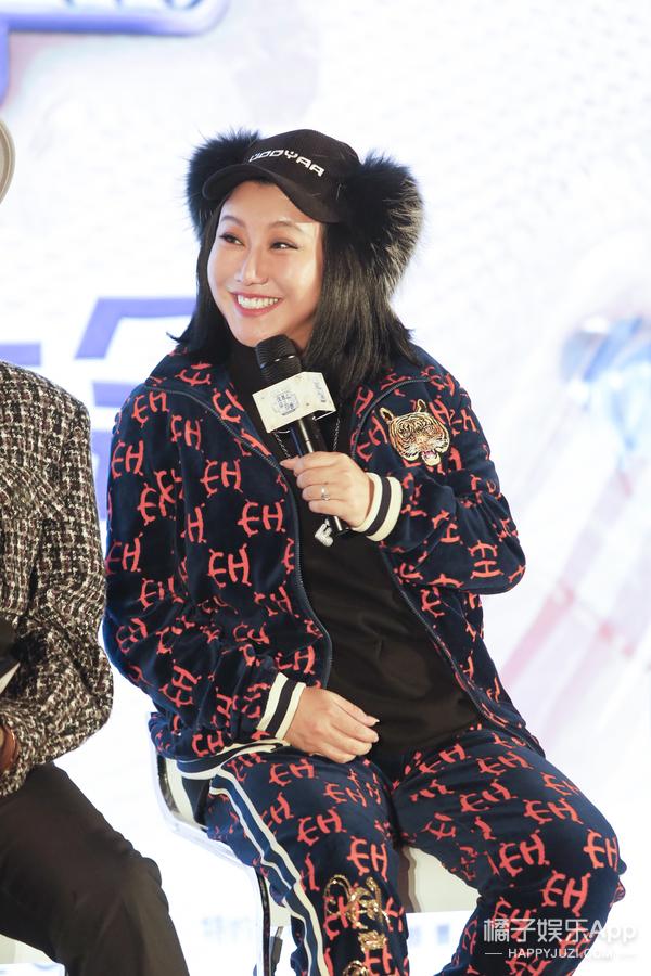 《好看》看片会:昆凌为女做纱裙 韩火火承包刘诗诗衣柜