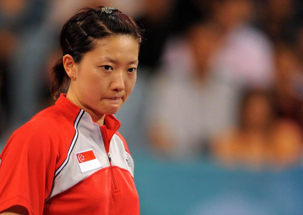 热文:原创她是中国乒乓球天才,因为想投逃离父亲魔掌,放弃国籍加入新加坡