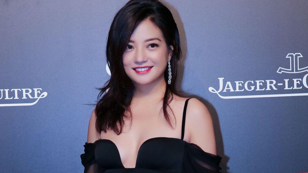 """登上过全球胡润富豪榜的赵薇,还曾被称为""""女版巴菲特"""""""