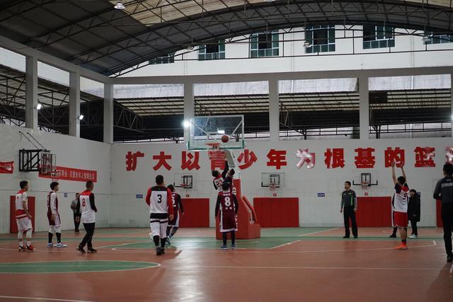 「贵阳网」10 支队伍同场竞技 贵阳市第十三届百村农民篮球赛总决