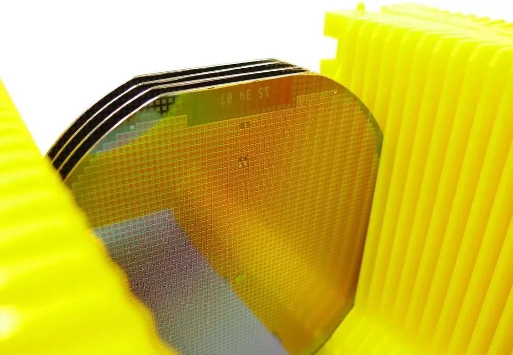年产化合物半导体圆片6万片!中电国基南方集团射频集成电路产业化项目启动