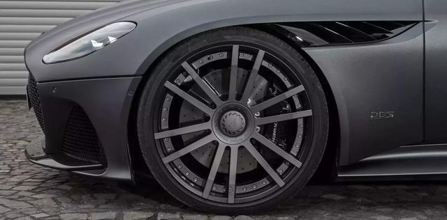 阿斯顿马丁DBS Superleggera有没有用近900马力吸引你?