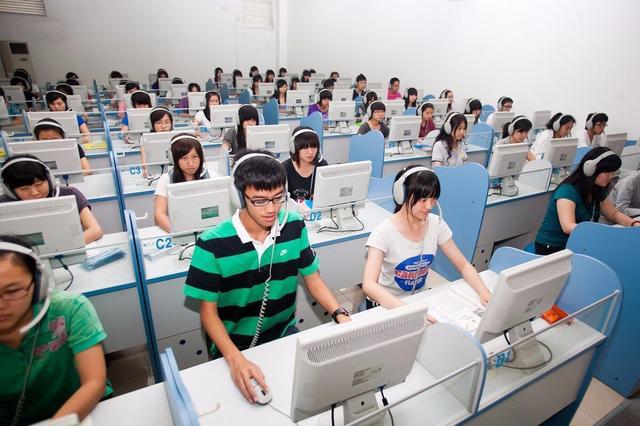 数学不好,高考可以报考计算机专业吗?