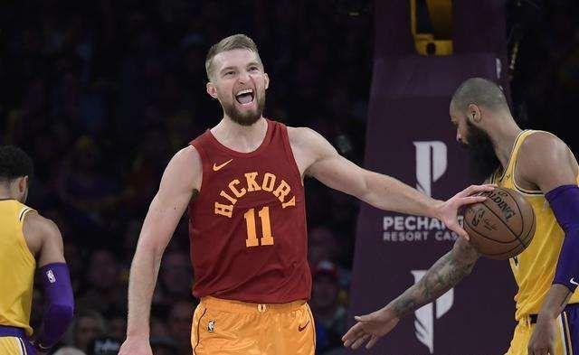 「小马看体育」15投就砍26+10!NBA最具潜力的后起之秀,却成最被