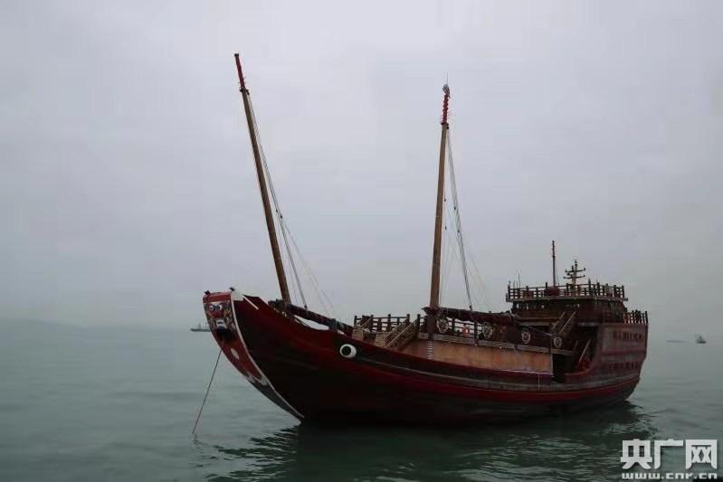 """世界最大仿古航海木帆船""""福宁"""""""