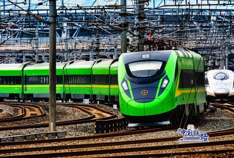 这个品牌的列车一年发送旅客超3亿