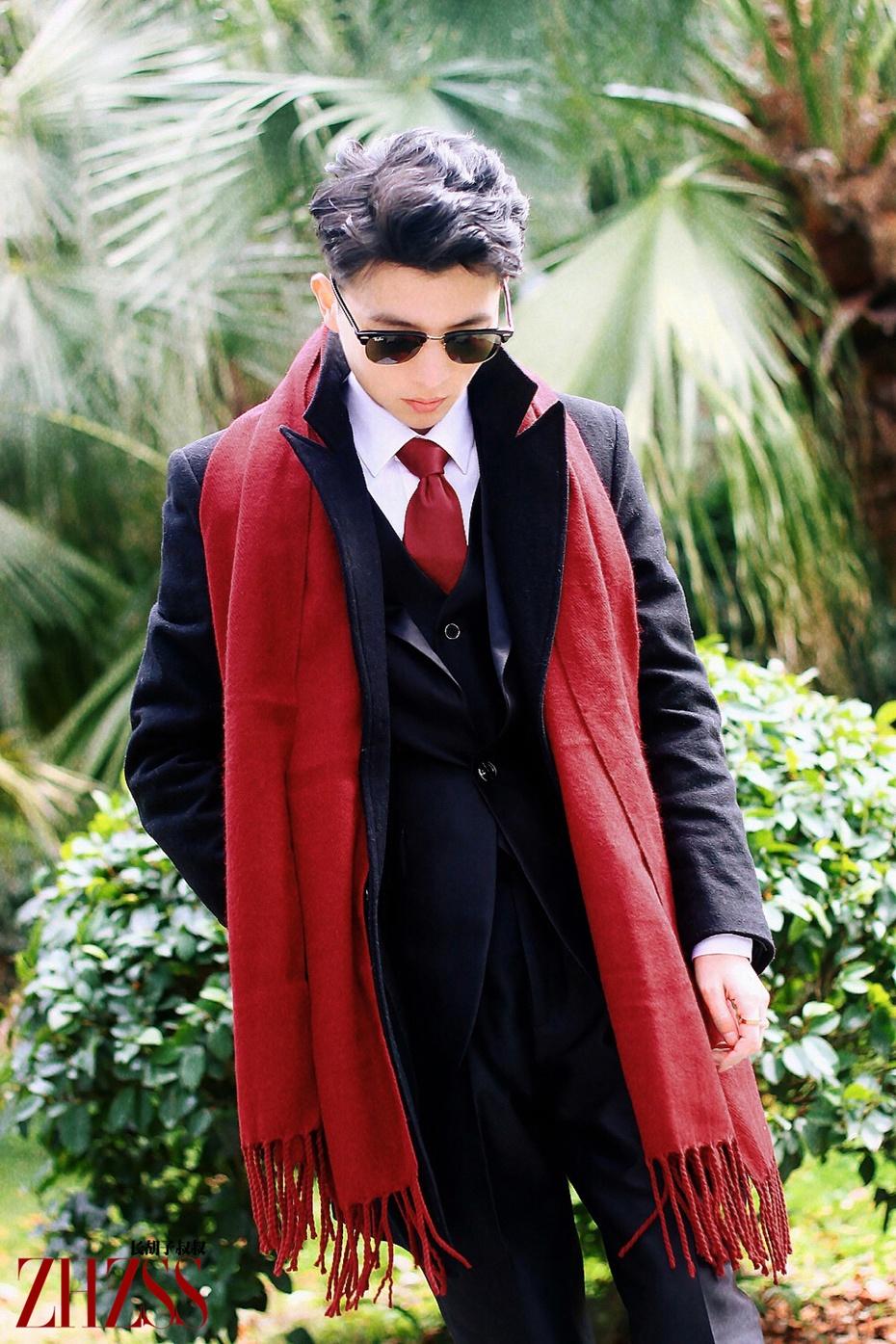 【男士混搭】黑色大衣+酒红色流苏围巾,圣诞月!