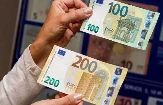 真假难辨!100欧新假钞堪称完美,已经有人在花这个钱!