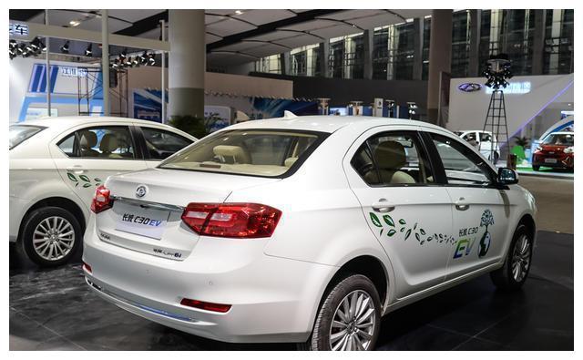 宇捷和长城新能源汽车哪个好?长城C30EV充电多久