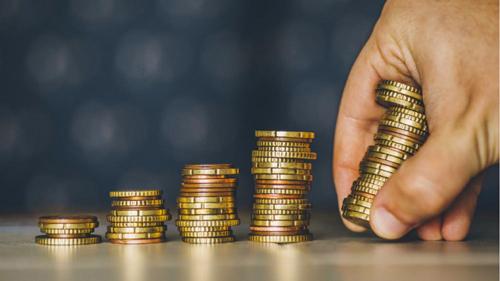 美国人开始存钱了,储蓄率上升说明了什么?