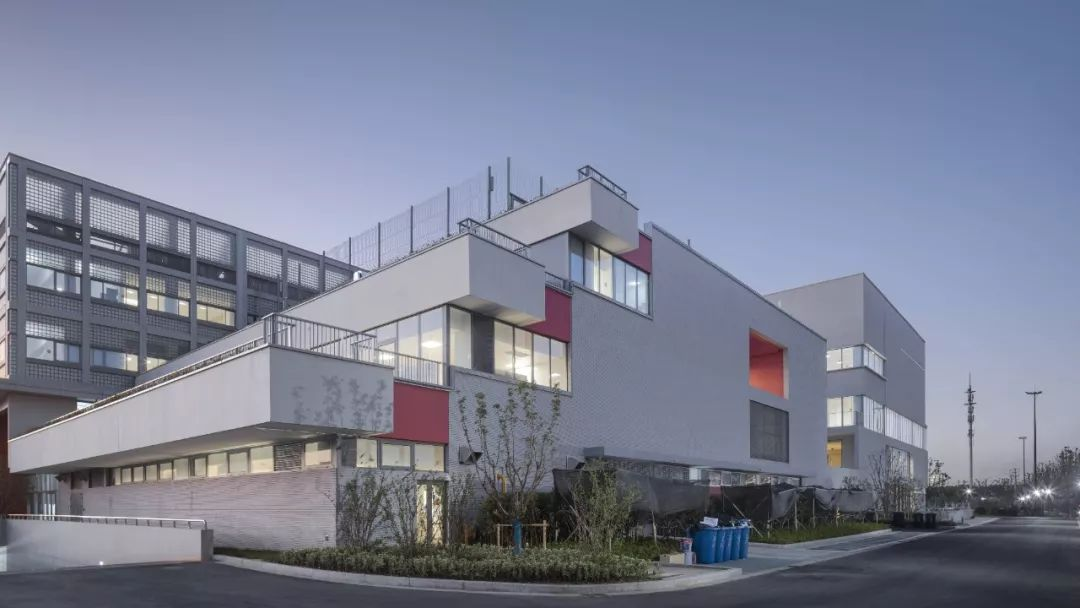 新作丨内向展开的多重院落格局——苏州科技城西渚实验小学