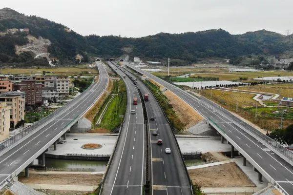 取消高速公路省界收费站,浙江开展得怎么样?