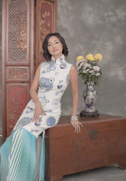 曾效力无线的4位香港小姐主持造型照曝光 旗袍晚装尽显不同美态