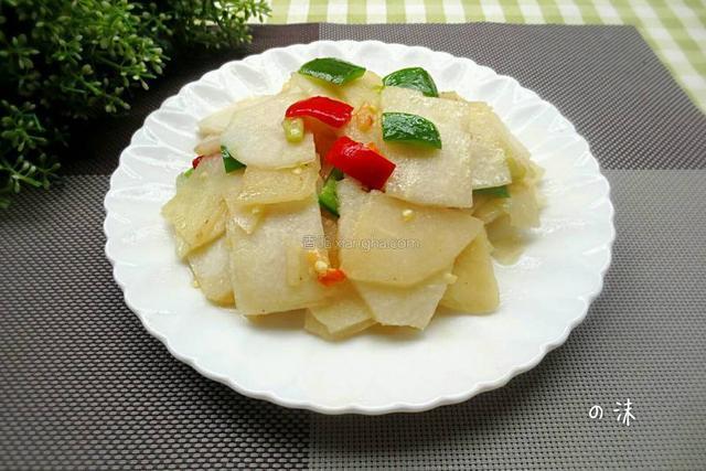 这食材既是蔬菜也是水果,每天吃上一个,皮肤水灵,面若桃花
