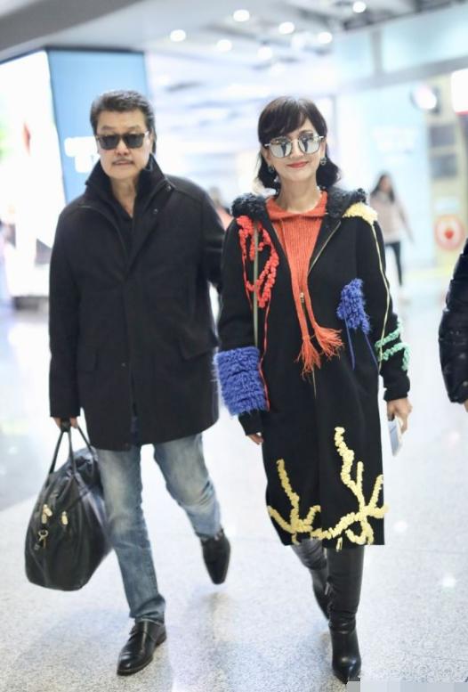 趙雅芝穿衣太大膽,65歲的年紀玩混搭風,一般人絕不敢嘗試!