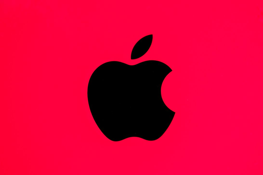 如果你在智能手机上发现一个漏洞,苹果会付给你10万美元