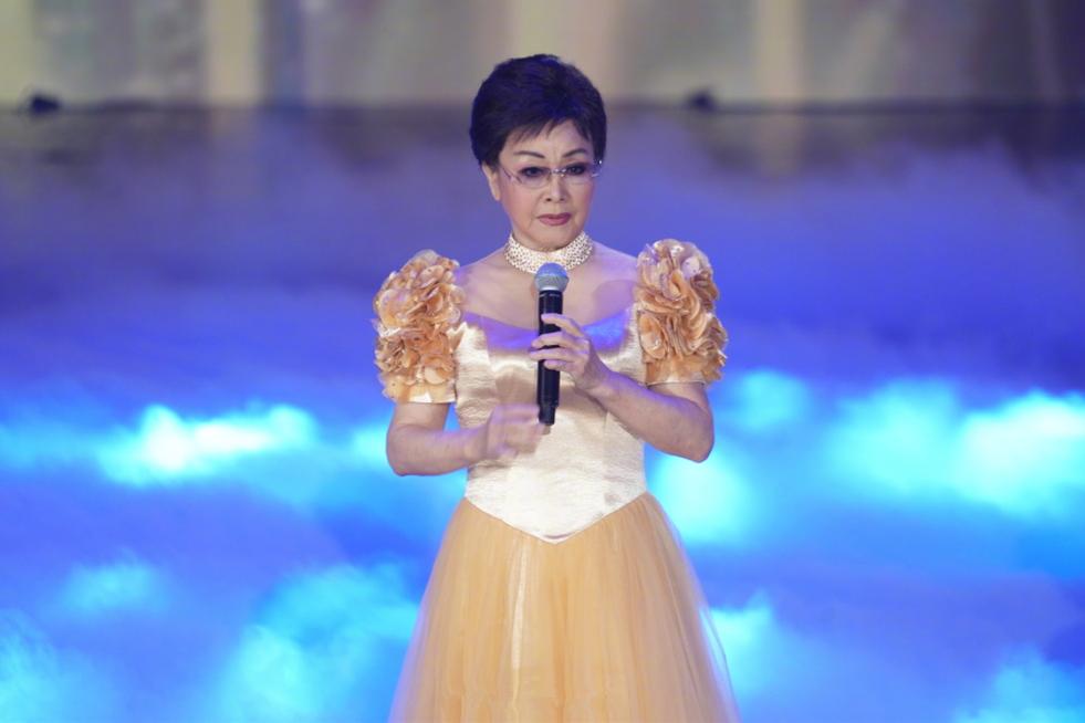 75岁李谷一太节俭,一件演出服连穿三年,不忘初心堪称女明星榜样!时装!