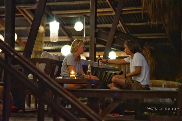 欧美游客青睐的菲律宾原生态海岛,这里的夜生活如此丰富多彩