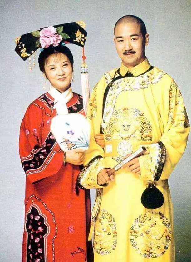 结婚31年恩爱如初!张国立邓婕夫妇上节目,穿出最美中老年情侣装!时装!
