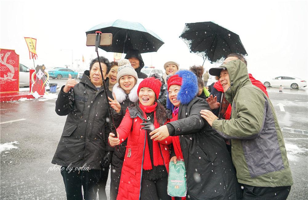 首届仙女山冰雪汉服国风大赏 世界旅游小姐冠军助阵