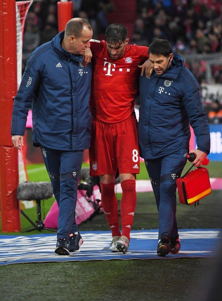 穆里尼奥遭全场球迷怒喷:你是狗屎版的波切蒂诺