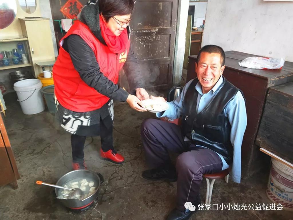 河北:情暖冬至:一碗饺子温暖一座城插图(2)