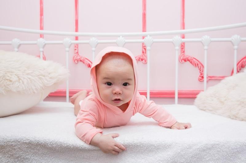 爬啊爬,提醒爸妈,宝宝学爬时要留意空间及年龄!!健康秘诀!