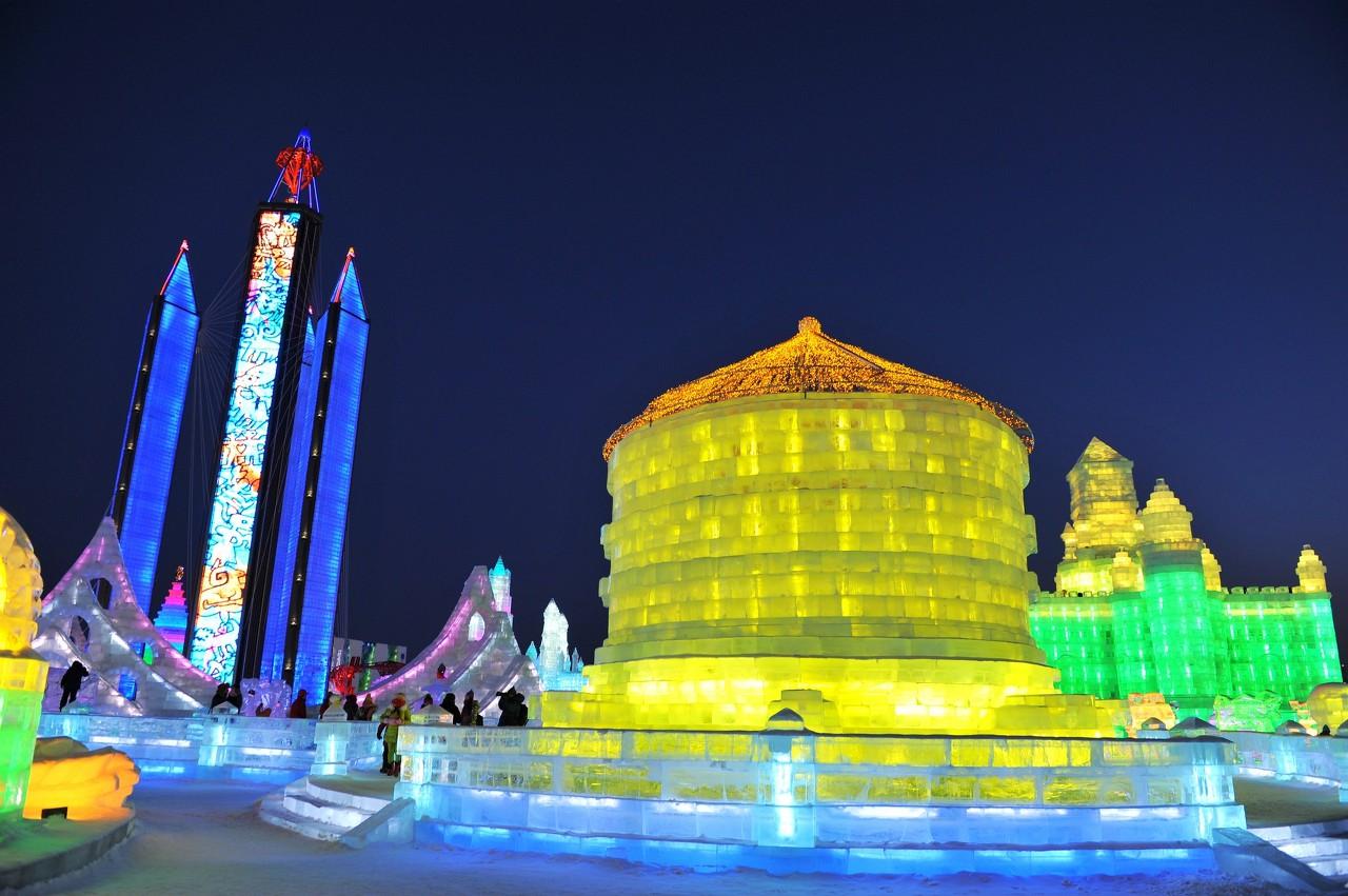 原创             哈尔滨这家酒店,用冰修建了一个餐厅,你敢挑战吗!