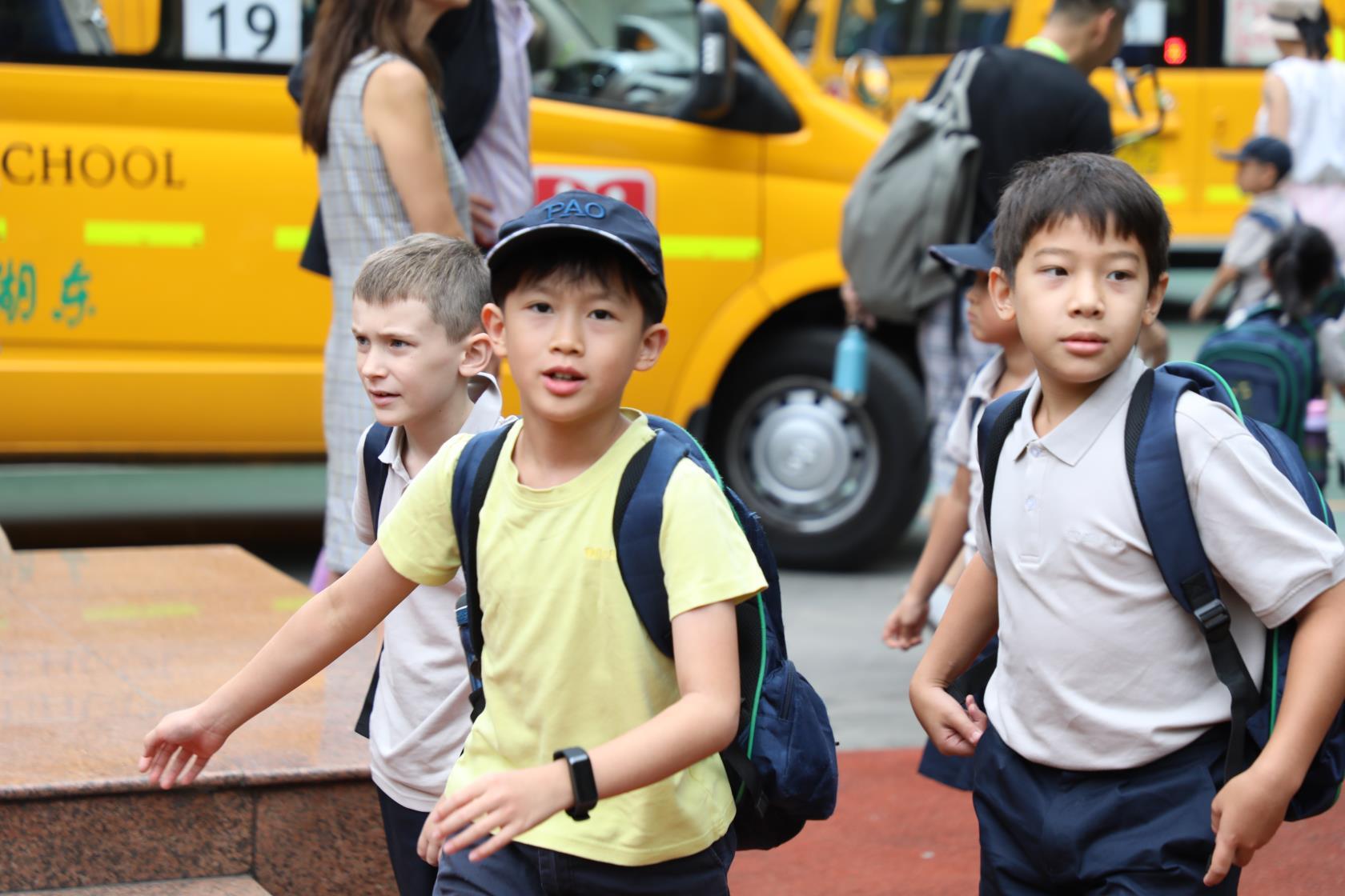 上海包玉刚实验学校校长吴子健:盲目跟风补课和跟风留学不是明智之举