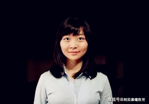 她是保送北大的女学霸,哈佛硕博连读,全球青年领袖,气质女神