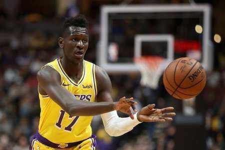 """[滚动]NBA十大""""未老先衰"""":同龄艾顿与东77如差30岁,20岁邦加像大爷"""