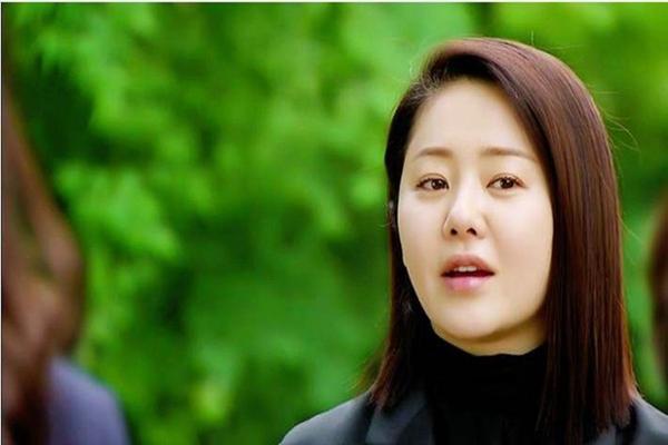 国民女神嫁韩国最大财阀,难忍豪门离婚复出力压金喜善成广告一姐