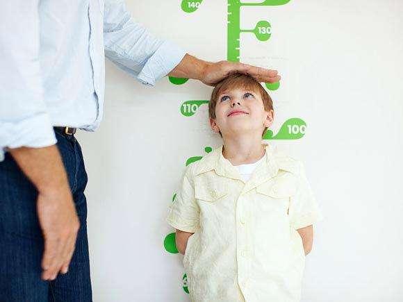 孩子身高是先天遗传还是后天努力?抓住生长黄金期,突破遗传壁垒