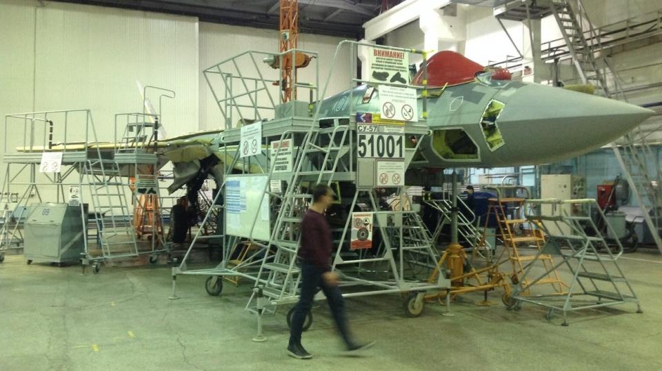 中俄边境传来一声巨响,俄罗斯五代机直接坠毁,飞行员跳伞逃生