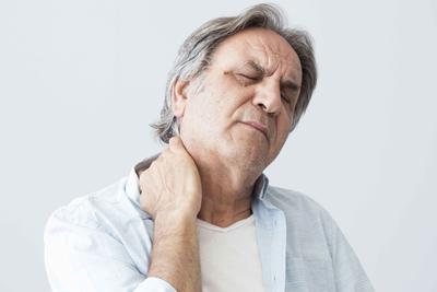 體內有癌,脖子先知?脖子一旦出現3個現象,提醒你最好趁早檢查