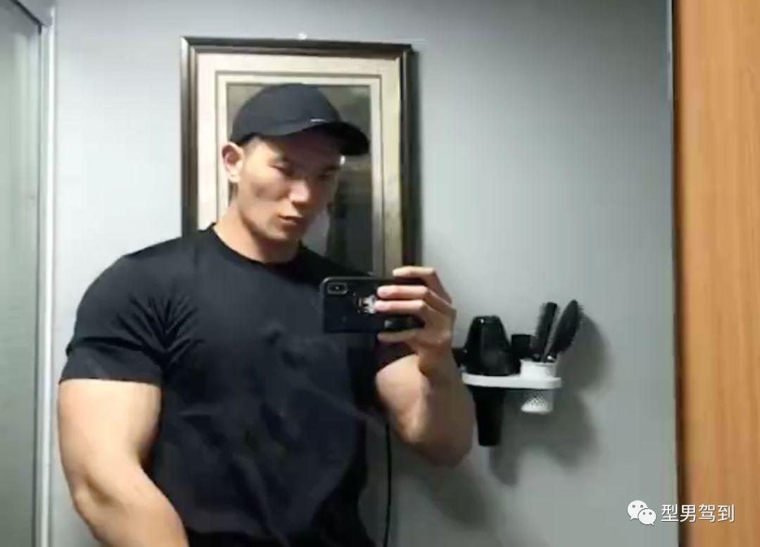 192cm肌肉版杨洋,酷似会所男模,网友直呼我可以