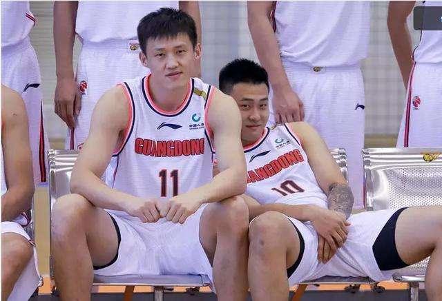广东复仇吉林豪取10连胜 易建联20+10马尚29分