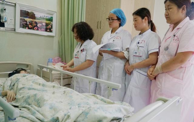 产后的宝妈,最怕医生问这两个隐私问题,简直尴尬到无法呼吸