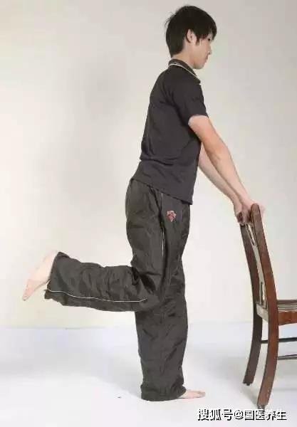 教你四招,应对膝盖痛、腿无力
