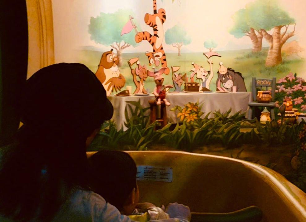 奶茶刘若英开心晒娃,年近半百状态佳,4岁儿子扑妈妈怀里好害羞